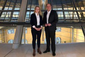 Matthias Hauer MdB und Alexandra Zins auf der Fraktionsebene des Bundestages